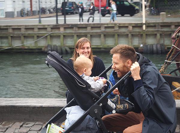 摄影作品-开心的一家人